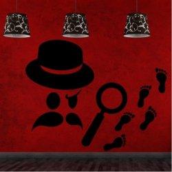 Detective Holmes