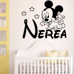 El Bebe Mickey a Gatas