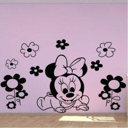 La Pequeña Minnie Mouse y las Flores