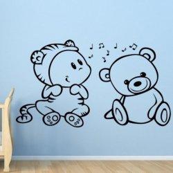 Bebé y el Osito Musical