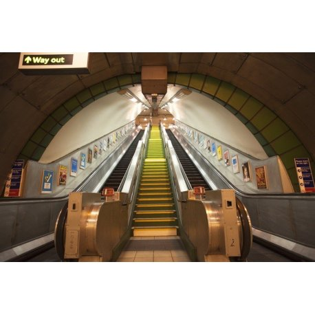 Mural Escaleras Metro