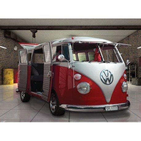 Furgoneta Volkswagen Clásica en el Garaje