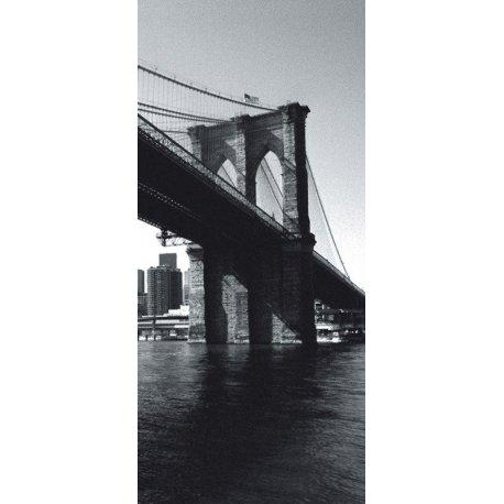 Al Píe del Puente de Brooklyn