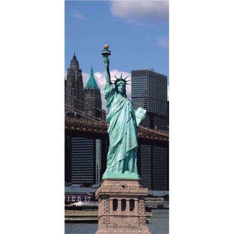 Estatua de la Libertad ante Nueva York