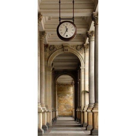 Reloj sobre el Paseo de Columnas