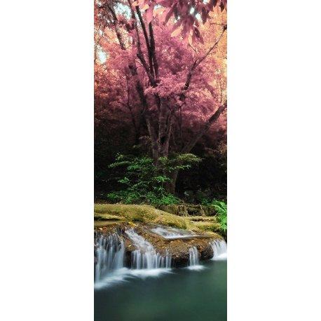 Cascada Japonesa junto al Almendro en Flor