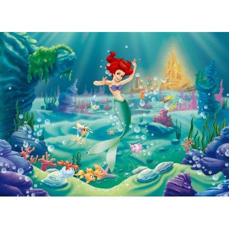 La Sirenita Bailando en el Fondo del Mar