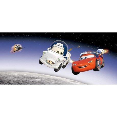 Rayo McQueen y Mate en el Espacio