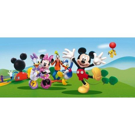 Mickey Mouse Juega con Amigos en Parque