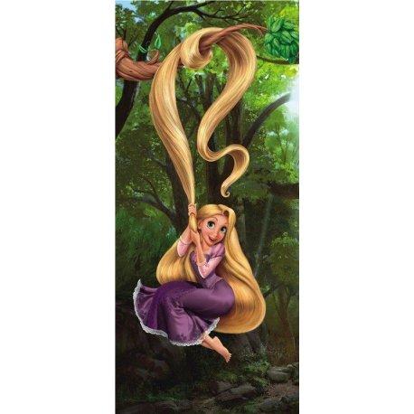 Rapunzel Disney Juega con su Pelo