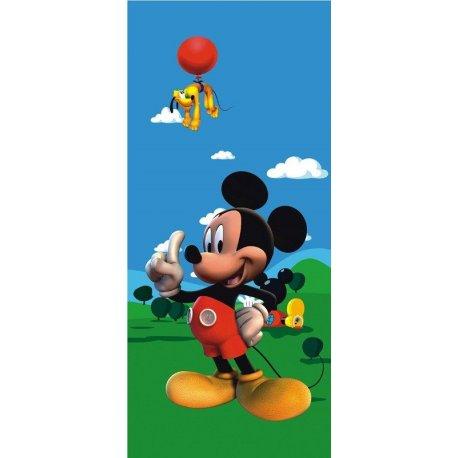 Mickey Mouse y Pluto en Globo